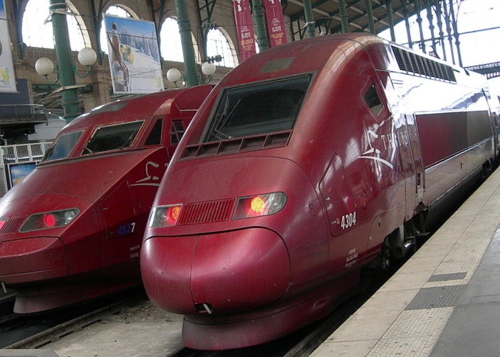 1024px-TGV_thalys_paris_gare_du_nord_july_2006 2